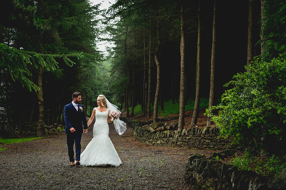A Saddleworth Hotel Wedding on the edge of the Peak District