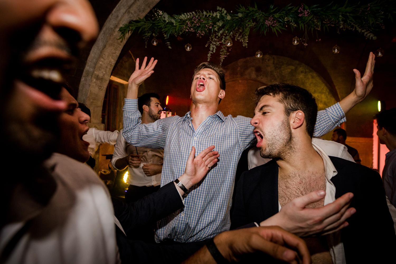 Party time during a Villa Catignano wedding